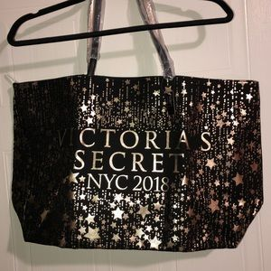 NWT Victoria's Secret Bag!!